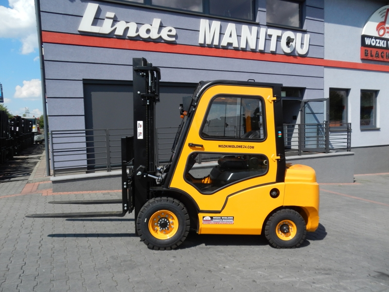 New Diesel forklift EP Mitsubishi FD25 with cabin