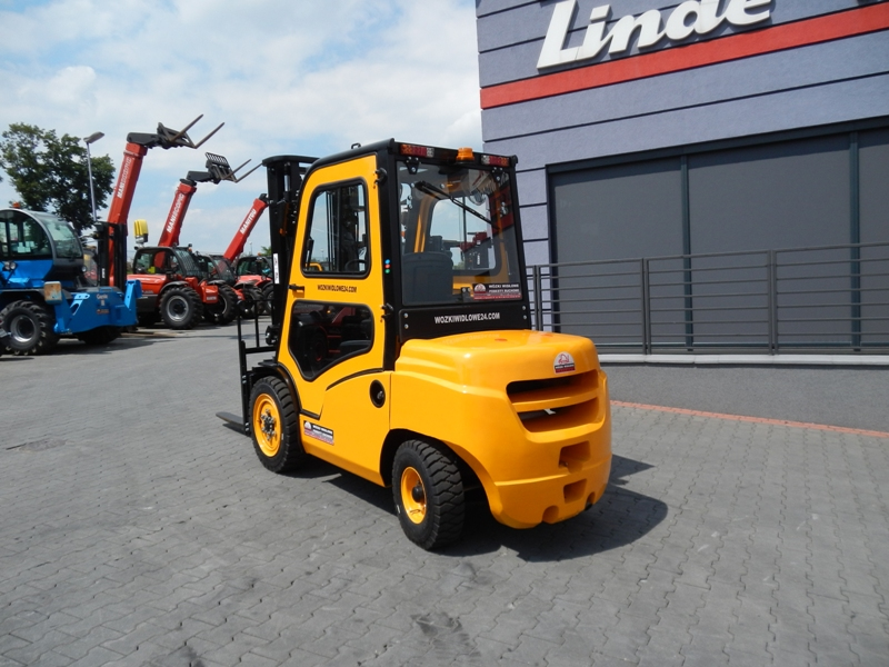 New Diesel forklift EP Mitsubishi FD35 with cabin