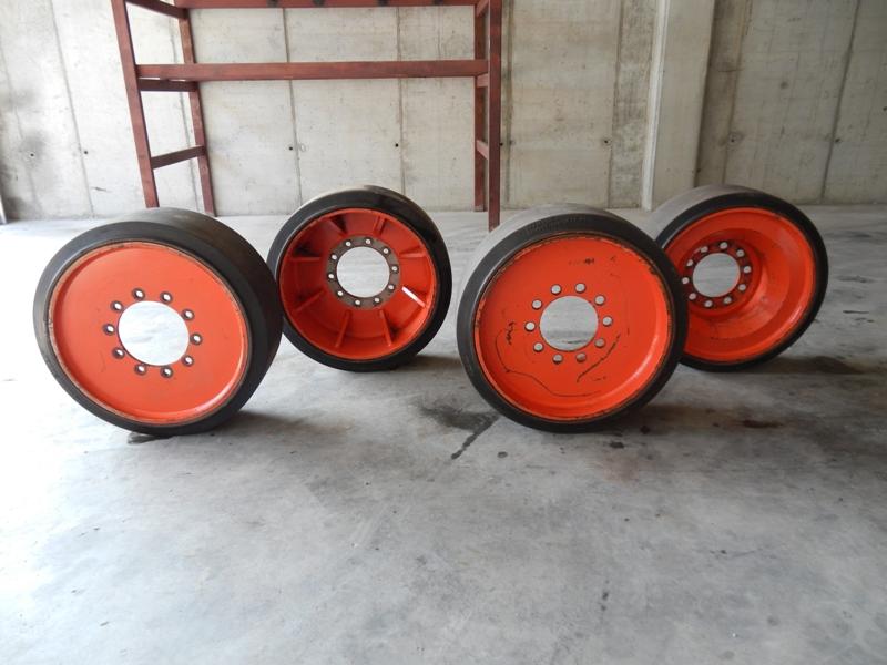 Used Continental Elastic 28x10x22 STB.MH20 solid ballast wheels