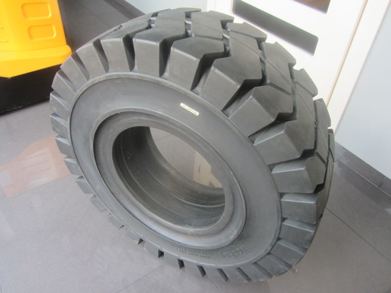 Tyres for forklifts
