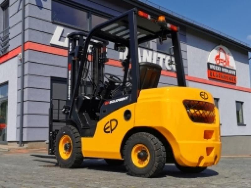 Nowe wózki z silnikiem diesel